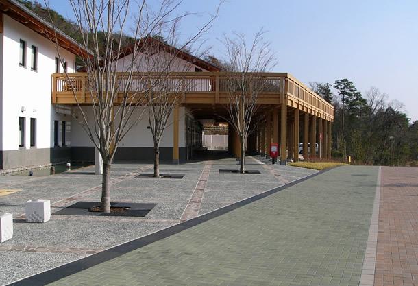 兵庫県立陶芸美術館(篠山市/スタンダードカラー)