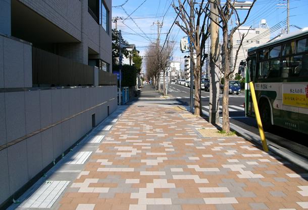 高橋川放水路(神戸市/グランパムH)