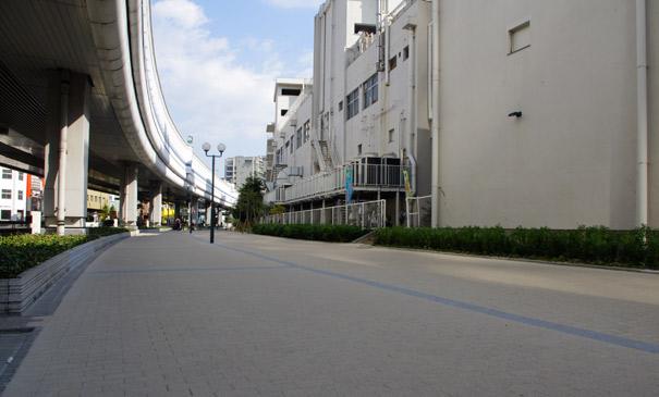 中突堤歩道(神戸市/ムーブネオブラスト・デミG)
