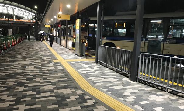 阪神西宮駅西バスロータリー(西宮市)